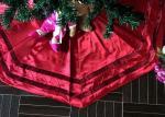 Red Patchwork Christmas Tree Skirt Polyester / Velvet Material For Decorative
