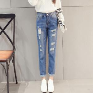 China Vintage Classic Ladies Straight Leg Jeans , White / Light Blue Knee Hole Jeans on sale