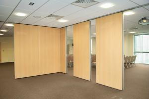 China Modular Room Insulation Movable Sound Proof Partition Wall 20mm Thickness on sale