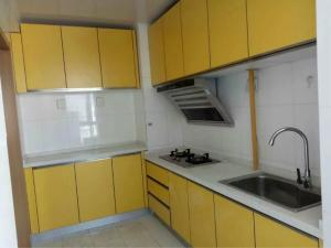 China Contemporary Kitchen Cupboards Kitchen Cupboards With Glass DoorsMDF Laminate on sale