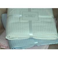 China Safe Woven Waffle Baby Blanket 100% Cotton , 4 Sides Satin Binding custom on sale