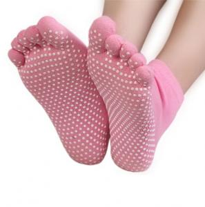 China Non Slip Full Toe Women & Men Pilates Strong Grip Five Finger Socks on sale