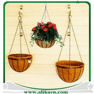 China Traditional Wire Hanging Basket Coco Liner on sale