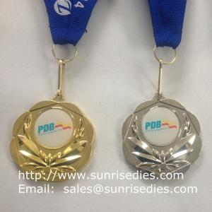 China Epoxy domed gold metal ribbon medals, custom OEM Zamak award medal with epoxy dome on sale