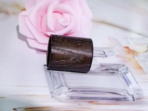 China 2018 Superior Quality Custom Design Perfume Bottle Wooden Caps on sale
