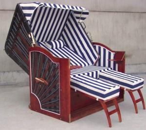 China Hotel Pool Red Roofed Wicker Beach Chair & Strandkorb With White Blue Cushion on sale
