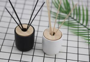 China Simple Style Home Reed Diffuser Matte Painting Round Glass Bottle With Oem Service on sale