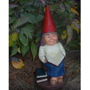 China Resin handpainting Funny Garden Gnomes / gnome with polyresin planter on sale