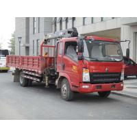 Red Light Duty Commercial Trucks , 4 * 2 Sinotruk Howo 3t Left Hand Drive Truck Crane