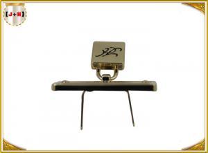 China Le logo personnalisé en alliage de zinc en métal étiquette le placage à l'or taille colorée de 40mm x de 24mm on sale