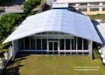 La grande tente blanche de voûte avec Wallss en verre et les portes pour élégant multiplient des événements extérieurs