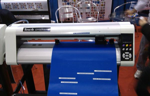 Step Motor 74cm Wide USB Cutting Plotter for Sign Cutting