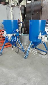 China Easy Operation Industrial Sand Blasting Machine , Industrial Portable Sandblaster on sale