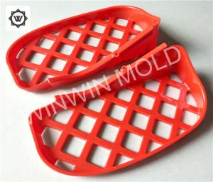 China Plastic Material Injection Moulding Cashew Gate Multi Cavity SPI Finish on sale