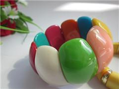 China pulsera oval de la gota del caramelo del arco iris on sale