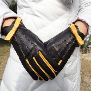 China Soft Womens Soft Leather Gloves Plain Style 100% Wool Lining Customized Color on sale