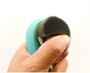 China Facial Cosmetic Contour Makeup Brush Carbon Fiber Hair Face Washing Brush on sale