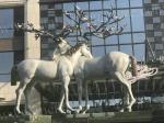 Cute Fiberglass Modern Outdoor Sculpture Beautiful Animal Deer Shape As Hotel Decoration