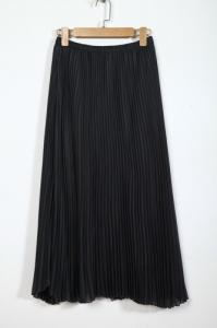 China Black Pleated Elastic Waist Long Skirts , 100% Polyester Long Maxi Skirts For Women on sale