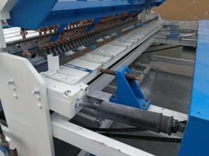 China Cross Pre Cut 2500D 5.5KW Wire Mesh Spot Welding Machine on sale