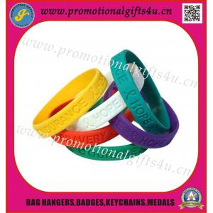 China Punho do silicone de Debossed/bracelete do silicone on sale