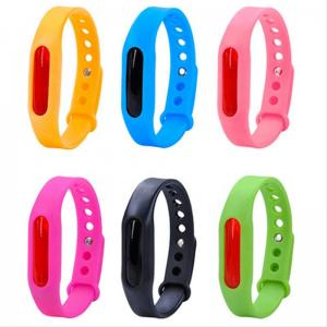 China Silicone Bracelet ultrasonic fly repellent Dayday Band Repellent Insect Bracelet on sale