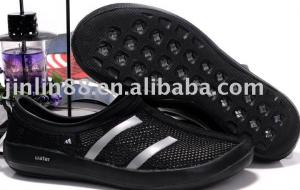 China 2011 hot selling water beach shoes for men in summer for men with water-repellent on sale