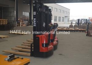 China 3m Lifting Height Automatic Pallet Stacker DC 24V Motor 600mm Load Center Distance on sale