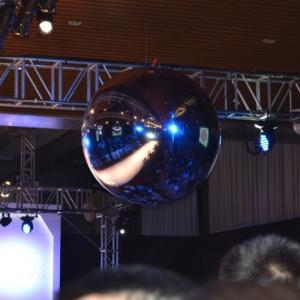 China Inflatable Mirror Ball With Reflect Effect For Concert Decoration on sale