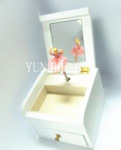 China White Small Exqusite Handcraft Wooden Rotating Jewel Music Box with Mirror for Women(Lp-45 on sale