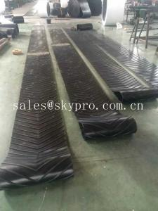 China Heavy Duty Roller Canvas Conveyor Belt For Sand Conveying Machine , Flat / Cut Edge Type on sale