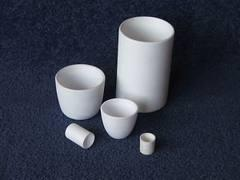 China Good thermal shock Ceramic Cylindrical Aluminum Oxide Special shaped Crucibles on sale