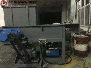 China Single Shaft Industrial Plastic Shredder Machine Rotary Blade V Shape Installation on sale