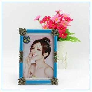 China Shinny Gifts Metal materials open hot sexy girl photo picture frame on sale