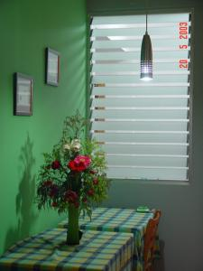 China Clear Adjustable Glass Shutter Window Vertical Blinds For Commercial on sale