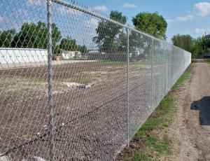 China Low Carbon Iron Wire Metal Chain Link Fence / Baseball Field Fence With Accessories on sale