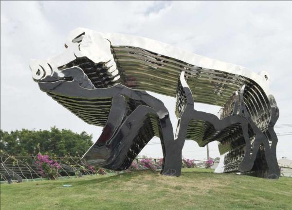 Modern Large Garden Animal Statues Create Very Unbelievable