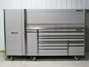 China Snap On Arctic Silver 84 Epiq Tool Box Stainless Top Hutch & Full Size Locker. Whatsapp: +4915175761583 on sale