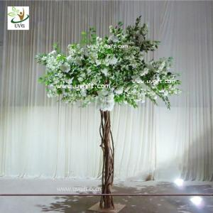 China UVG Floor standing artificial cherry blossom wedding decoration trees for stage decor on sale