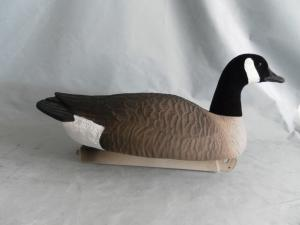 China Floating Canada Goose hunting Decoy Goose Floaters with flocked head & tail water canada on sale