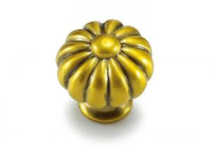 Quality Golden Decorative Cabinet Knobs , Hardware For Kitchen Cabinets for sale