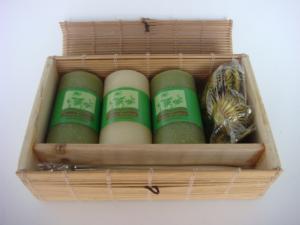 China Grupos aromáticos do presente da aromaterapia da vela do incenso da vara com caixa de bambu on sale