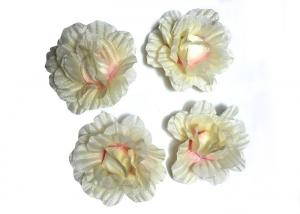 China Small Daisy Two Tone Handmade And Vintage Fabric Flower Corsage For Ladies on sale