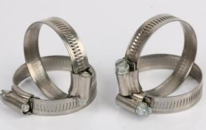 China Pipe Stainless Worm Gear Hose Clamp With Riveted Housing Smooth Surface on sale