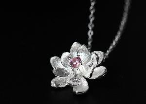China S925 Silver Fresh Natural Lotus Pendant Female Inlaid Zircon Flowers Sweet Fashion Necklace Clavicle Chain on sale