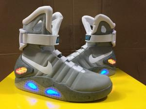 separation shoes 9508b 3cba1 Nike Air Mag 2015 Led Light Sports Shoes Lighting Shoes for ...