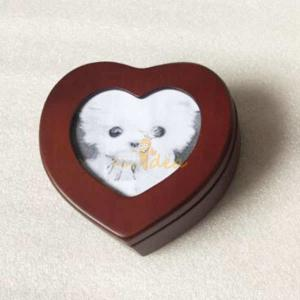China Well Crafted Good Quality Wooden Heart Shaped Pet Memorial Picture Keepsake Urn Box for Pets, Small Order Supported on sale