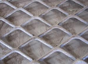 China El aluminio resistente amplió la cerca extensible de la malla metálica para embalar on sale