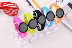China Pulsera del reloj de Bluetooth/relojes elegantes del teléfono celular con la cámara de la alarma y del telecontrol on sale
