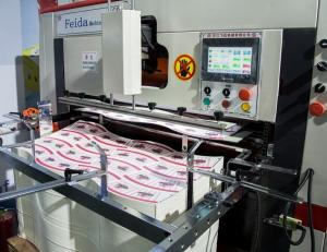 Quality Professional Automatic Die Cutting Machine FD970 * 640 For Lunch Box / Take Away for sale